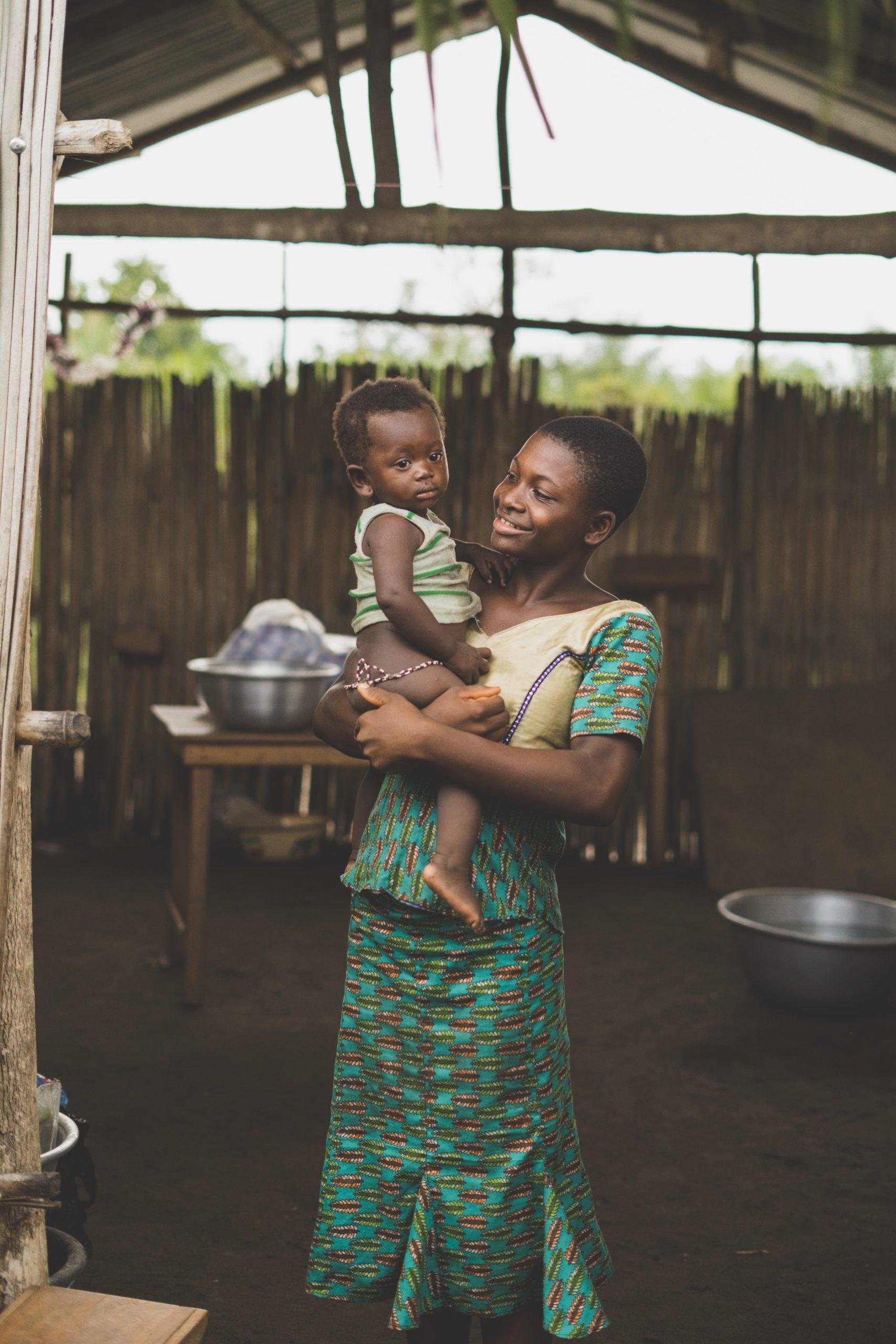 Une femme africaine et son bébé